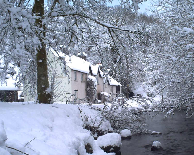 New Mill Cottage in Snow